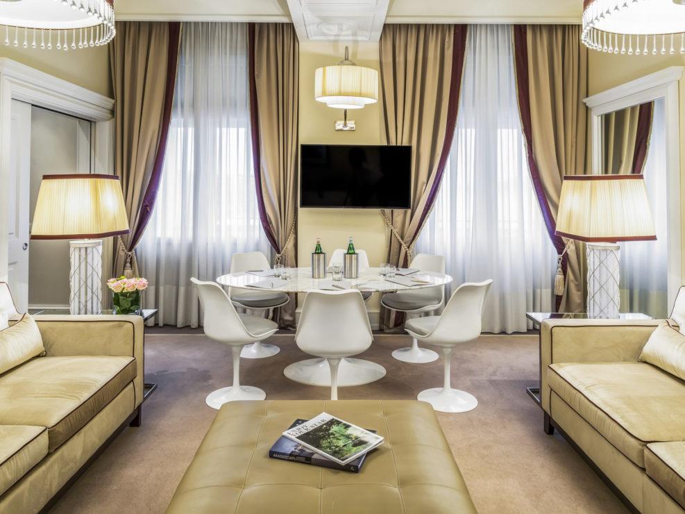 Business table nella suite Hotel Rosa Grand