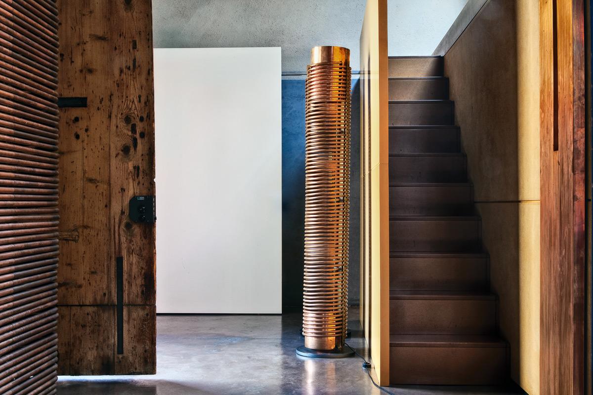 Un ingresso di design per la casa/studio dell'architetto Andrea Ponsi