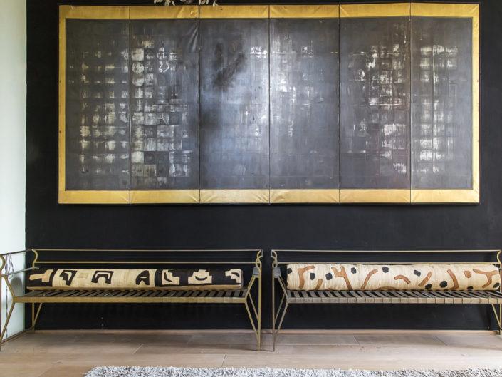 Panche in ottone nel corridoio di una villa Viale Michelangelo