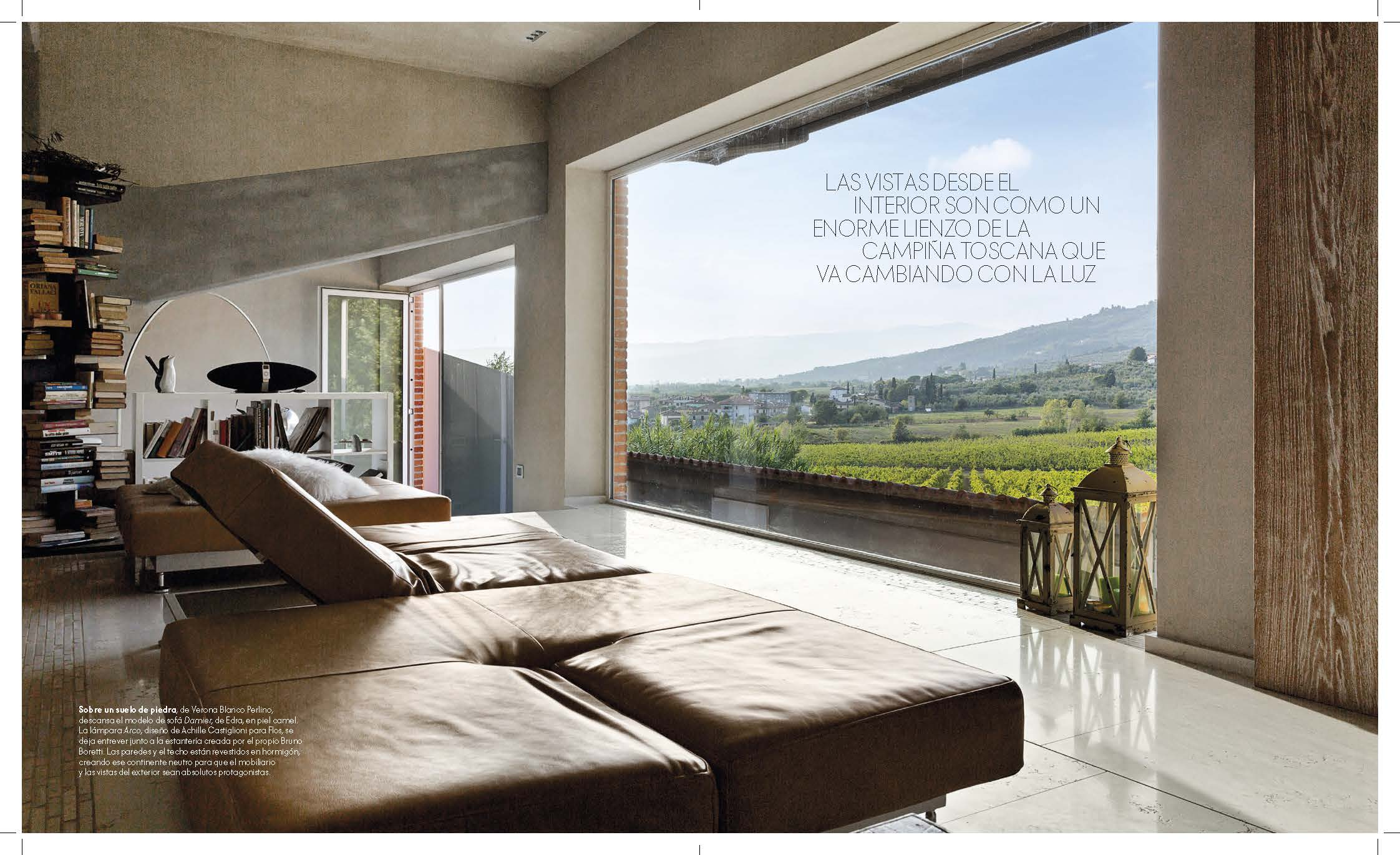 Una casa di design affacciata sulle vigne toscane